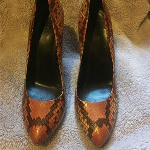 3bba83f9160 Gucci Shoes - GUCCI Orange Snakeskin Python Heels